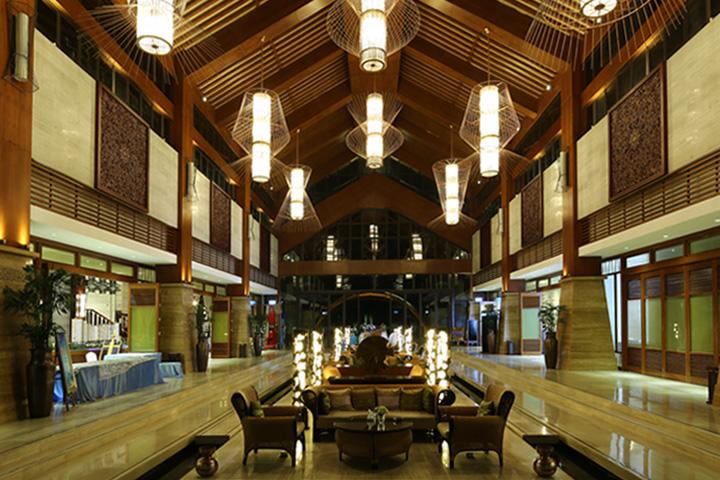 双月湾宝安虹海湾酒店-二栋东南亚至尊海滨大床