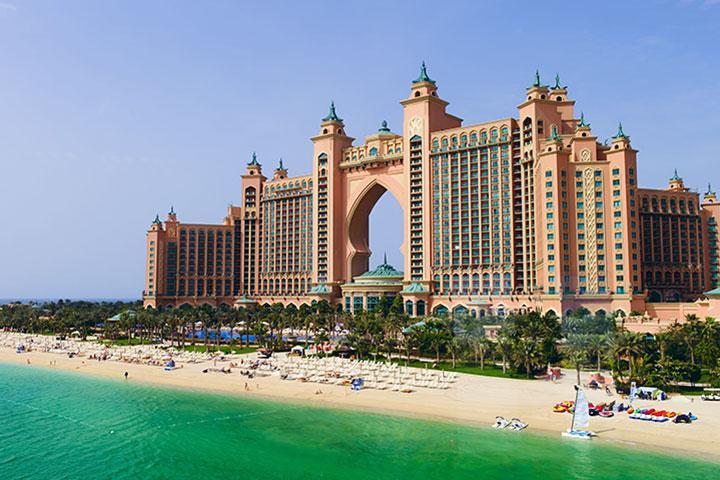 【典·博览】阿联酋迪拜、阿布扎比5-6天*精选<棕榈岛轻轨列车,谢赫扎伊德清真寺>