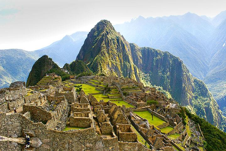 【誉·猎奇】秘鲁、玻利维亚16天*南美绝景*圣谷观景列车*乘小飞机观赏世界之谜<天空之镜,亚马逊丛林,马丘比丘,的的喀喀湖>